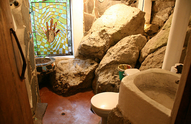 The World's 18 Strangest Bathrooms